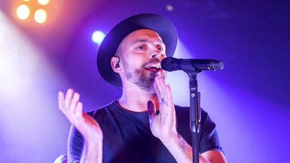 Sänger Max Mutzke bei einem Auftritt © imago images / Future Image