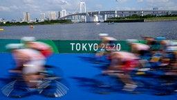 Impressionen vom olympischen Triathlon-Rennen in Tokio.