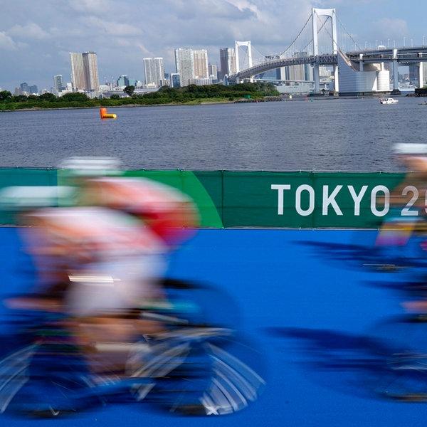 Impressionen vom olympischen Triathlon-Rennen in Tokio.    dpa-Bildfunk
