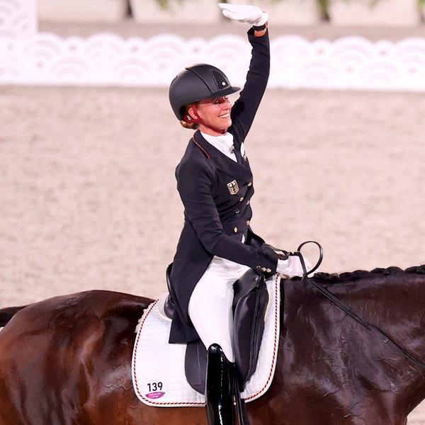 Die deutsche Dressur-Reiterin Jessica von Bredow-Werndl und ihr Pferd Dalera   dpa-Bildfunk