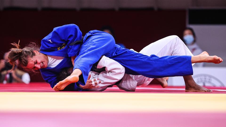 Die deutsche Judoka Anna-Maria Wagner (l.) und die Kubanerin Kaliema Antomarchi im Duell um Bronze. | picture alliance