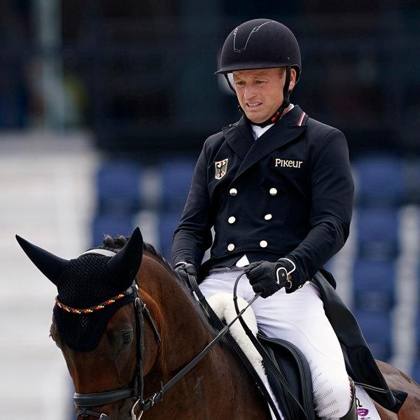 Deutscher Reiter Michael Jung auf seinem Pferd | picture alliance