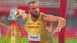 Der deutsche Diskuswerfer Daniel Jasinski in Aktion
