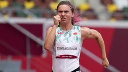Die weißrussische Sprinterin Kristina Timanowskaja im 100m Lauf bei den olympischen Spielen.