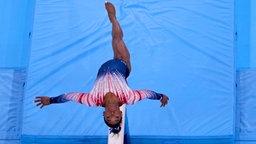 Die US-amerikanische Turnerin Simone Biles in Aktion.
