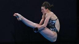 Die deutsche Wasserspringerin Elena Wassen in Aktion