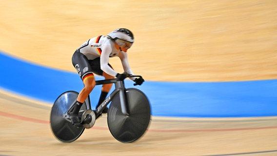 Die deutsche Radsportlerin Lea Sophie Friedrich in Aktion. © dpa-Bildfunk Foto: Marijan Murat/dpa