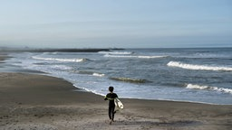 Der Tsurigasaki Surfing Beach © picture alliance / AP Photo Foto: Jae C. Hong